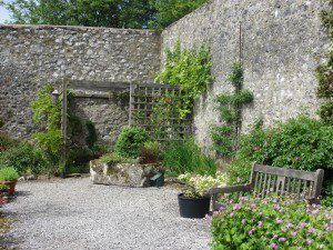 walled garden trough